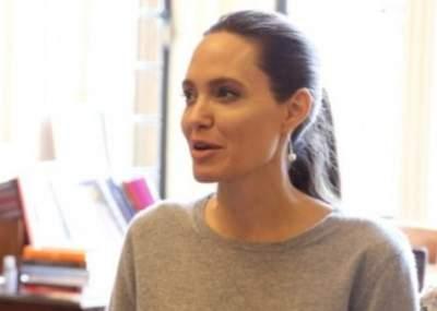 Angelina jolie sin ropa fotos 86