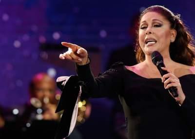 Isabel Pantoja pide respeto a Mario Domm, vocalista de Camila